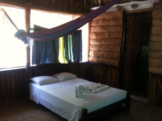 Hostel & Cabanas Ida y Vuelta Camping: Bed