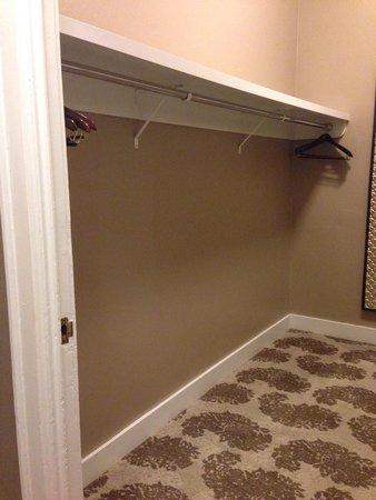 Fairmont San Francisco: Huge walk in closet