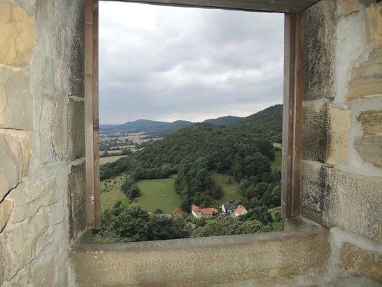 Blick aus dem fenster land  Blick in das Schaumburger/Weserberg-Land - Bild von Burg ...
