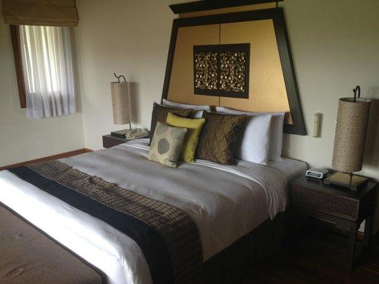 Angsana Villas Resort Phuket: master bedroom