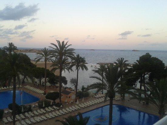 Sirenis Hotel Tres Carabelas & Spa: alba dalla camera