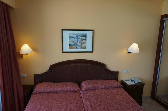 Hotel Seramar Comodoro Playa: Bad