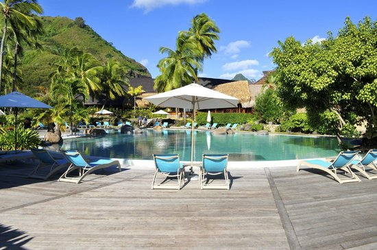 Hilton Moorea Lagoon Resort & Spa: The Hotel pool.
