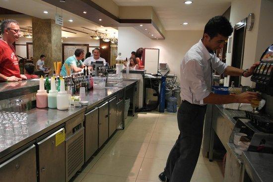 Sural Resort: Bar Untergeschoss