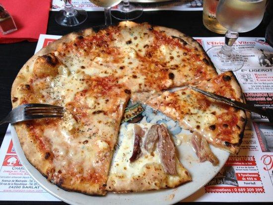 """La Romane : Fresh """"4 Fromages"""" Pizza"""