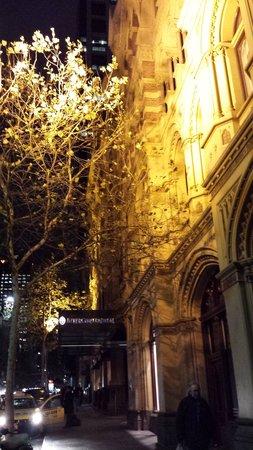 InterContinental Melbourne The Rialto : Night Facade