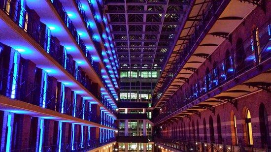 InterContinental Melbourne The Rialto: Inside Night 2