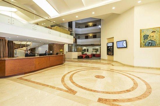 Cosmos 100 Hotel & Centro de Convenciones: Lobby