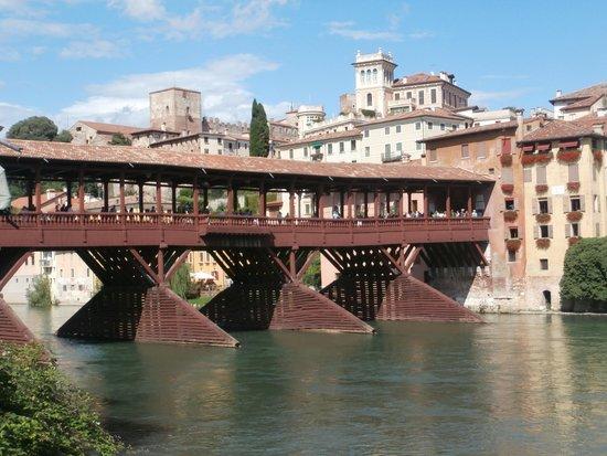 Ponte degli Alpini: Il Ponte