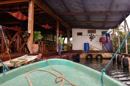 Bocas Inn: Boat Dock