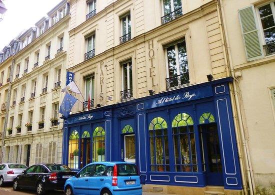 A l'Hotel des Roys : facade on main boulevard