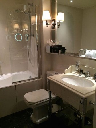 Hotel Keppler: Bathroom