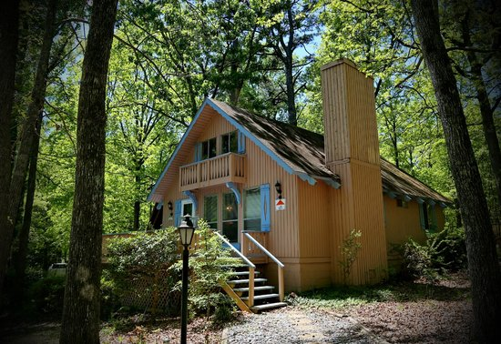 Chalet 74 - Picture of Pine Mountain Club Chalets, Pine ...
