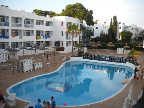 Prinsotel Alba Hotel Apartments: Schwimmerpool der Anlage