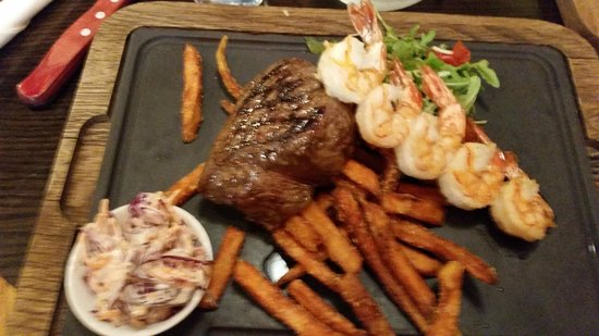 Coast to Coast: Steak with sweet potato chips and grilled prawns! ;o)