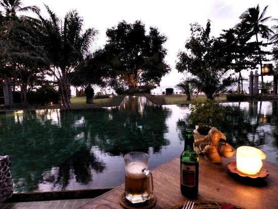 Hotel Tugu Lombok : ristorante e piscina