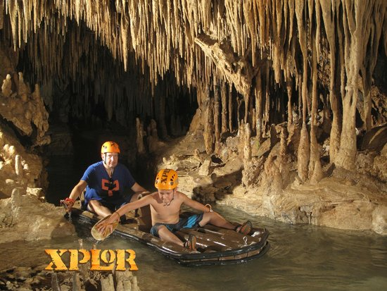 Parque Xplor: cave raft...lots of work...