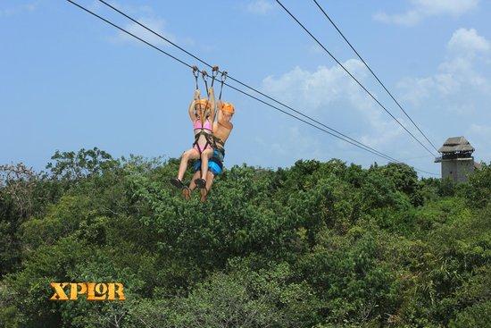 Parque Xplor: kids ziplining above the jungle!