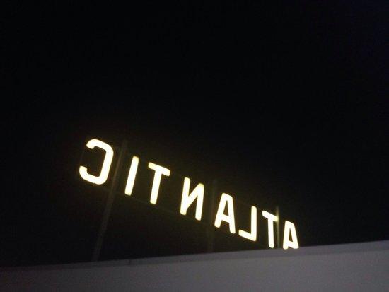 Atlantic Hotel: L'insegna dalla meravigliosa stanza 704
