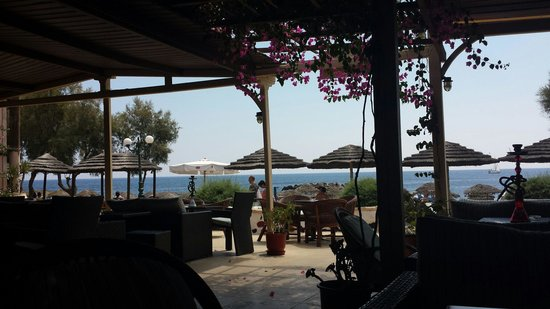 Nostos Hotel: Dal bar dell'hotel
