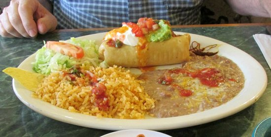 El Alazan Mexican Restaurant : A generous sized chimichanga plate
