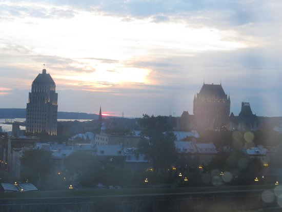 Hilton Quebec : early morning view from room