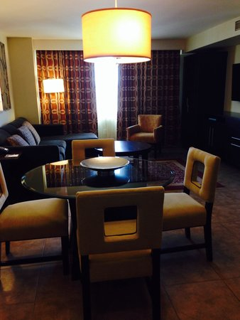 Grandview at Las Vegas: Living room/Dining areas