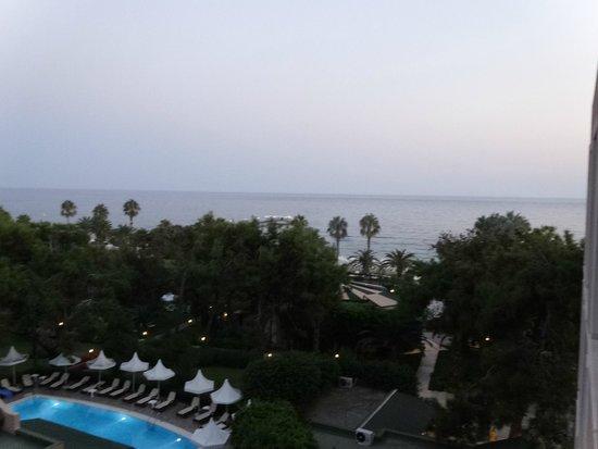 Turquoise Resort Hotel & Spa: вид с балкона (боковой вид на море)