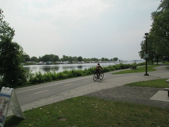 Lachine Fur Trade Museum: Canal Path