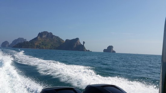 Phi Phi Islands: in the way to Phi Phi