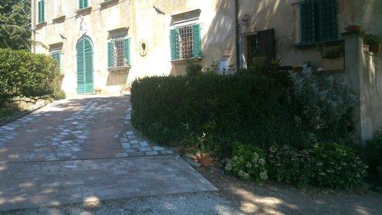Villa di Papiano: Part of the main villa where the owners live