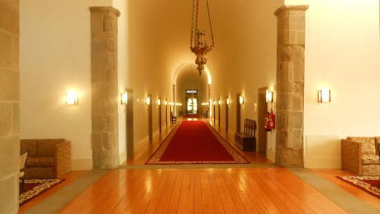 Pousada De Guimaraes Santa Marinha: Corridoio area rooms