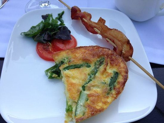 The Platinum Pebble Boutique Inn: Delicious breakfast - hot and tasty