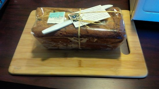 Beachside Inn : Homemade bread upon arrival