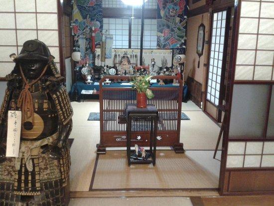 Sumiyoshi Ryokan: Samurai and antiques