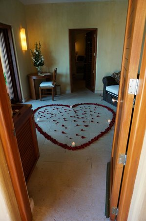 Capella Ixtapa: Romantic Package decoration