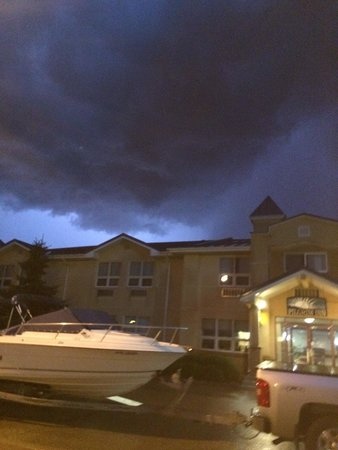 Caronport, Kanada: Wild lightening storm while we were here.