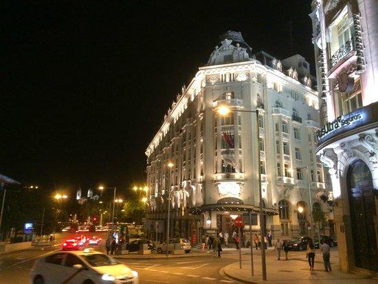 The Westin Palace Madrid: Vue depuis l'extérieur