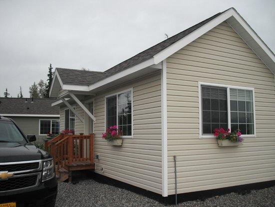 Alaska Garden Gate B & B: Our cabin - typical of all