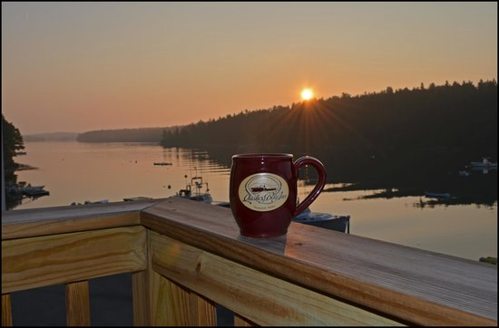 Quahog Bay Inn in Harpswell, Maine : Morning coffee on the deck