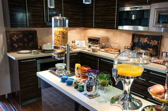 Sunny Dom Holiday Villa: Breakfast