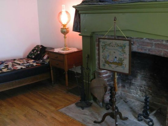 Grinter Place State Historic Site: Beautiful fire screen