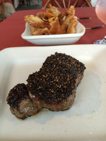 Banana Tree Grille: Pepper crusted steak