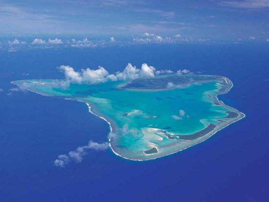 Aitutaki lagoon from air