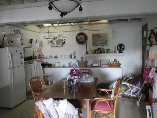 Brinsmead Studios: Fully equipped kitchen with lots of space