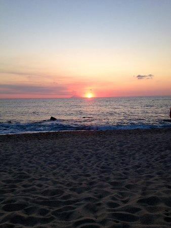Hotel Villaggio Roller Club: la sera in spiaggia