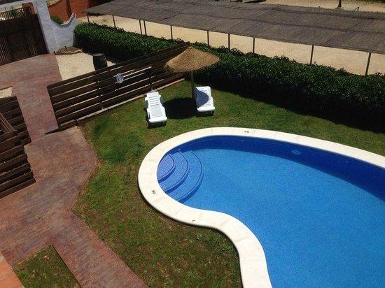 Hamacas en la piscina picture of hacienda puerto de for Hamacas de piscina