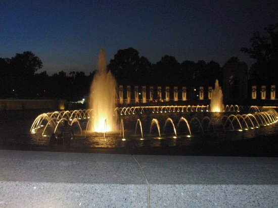National World War II Memorial: Night view of the WWII Memorial