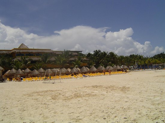 Iberostar Quetzal Playacar: praia em frente ao hotel