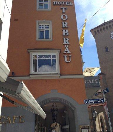 Hotel Torbräu: Front of hotel